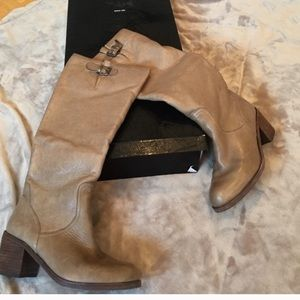 🌙💫 DOLCE VITA vintage leather tan knee high boot